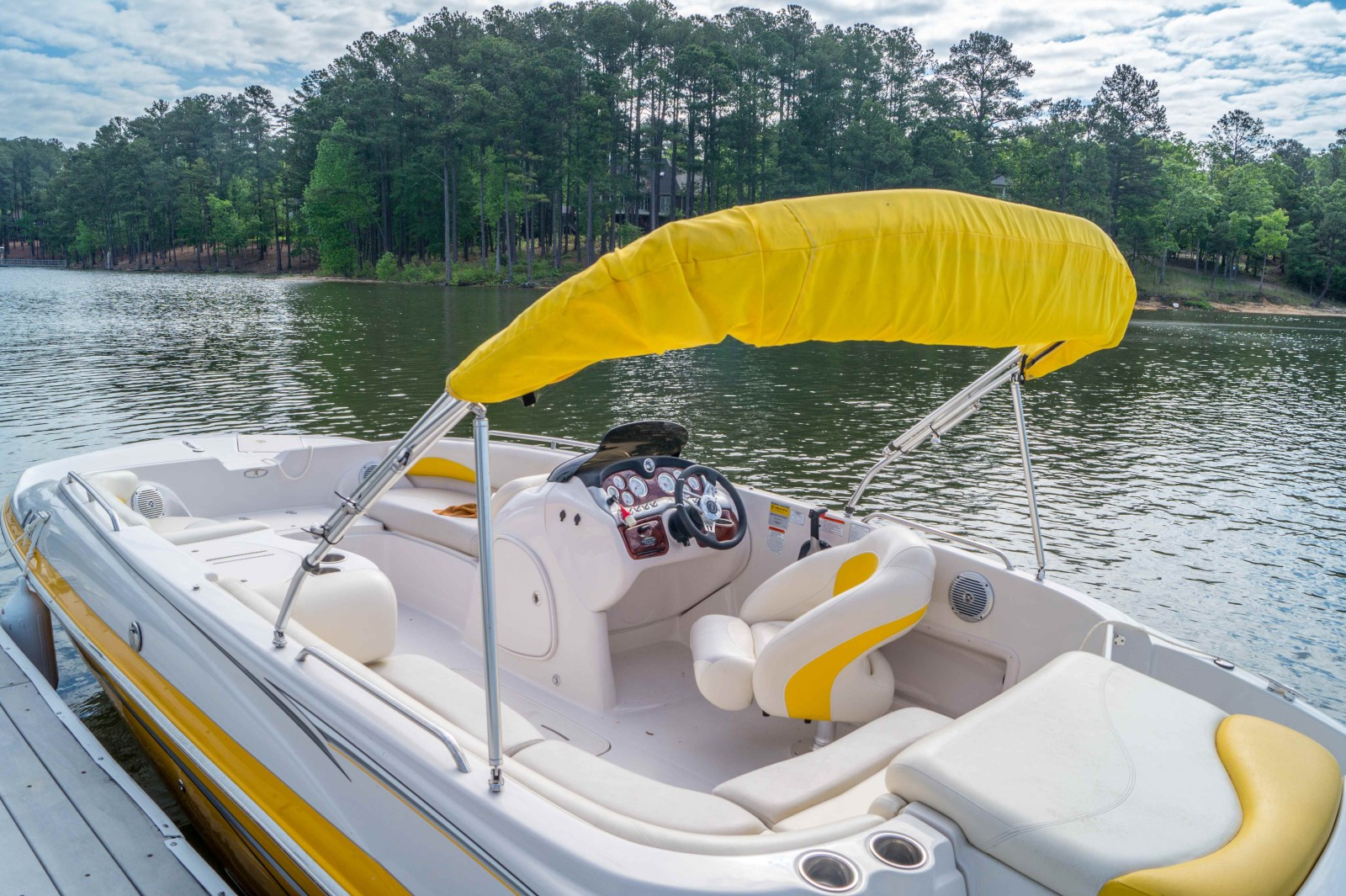 Deck Boat Rental Weekends (Fri-Sun) - Savannah Lakes Marina